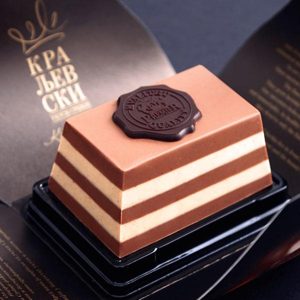Kraljevski Desert sa Ugraviranim Logom Brenda Premier Cokolade.