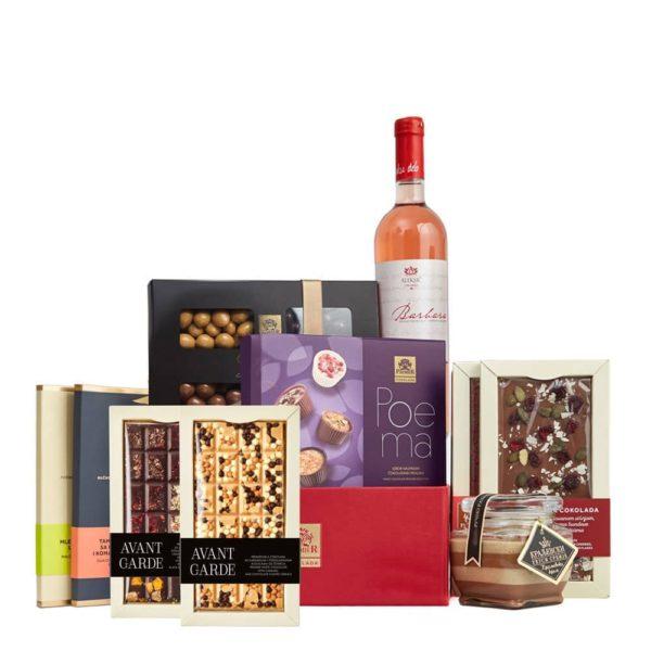 Paket sa čokoladnim kremom, čokoladama, pralinama, bombonjerom i flašom rose vina