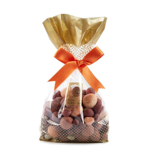 Miks voćnih dražeja sa malinom, borovnicom i jagodom u beloj, tamnoj i mlečnoj čokoladi