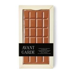 Avant Garde mlečna čokolada sa đandujom i karamelizovanim susamom