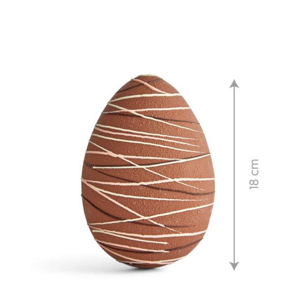 Uskršnje Jaje u Mlečnoj Čokoladi sa Dekoracijom.