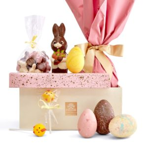 Uskršnji Premier Paket sa Čokoladnim Zečevima, Jajima i Lizalicama.